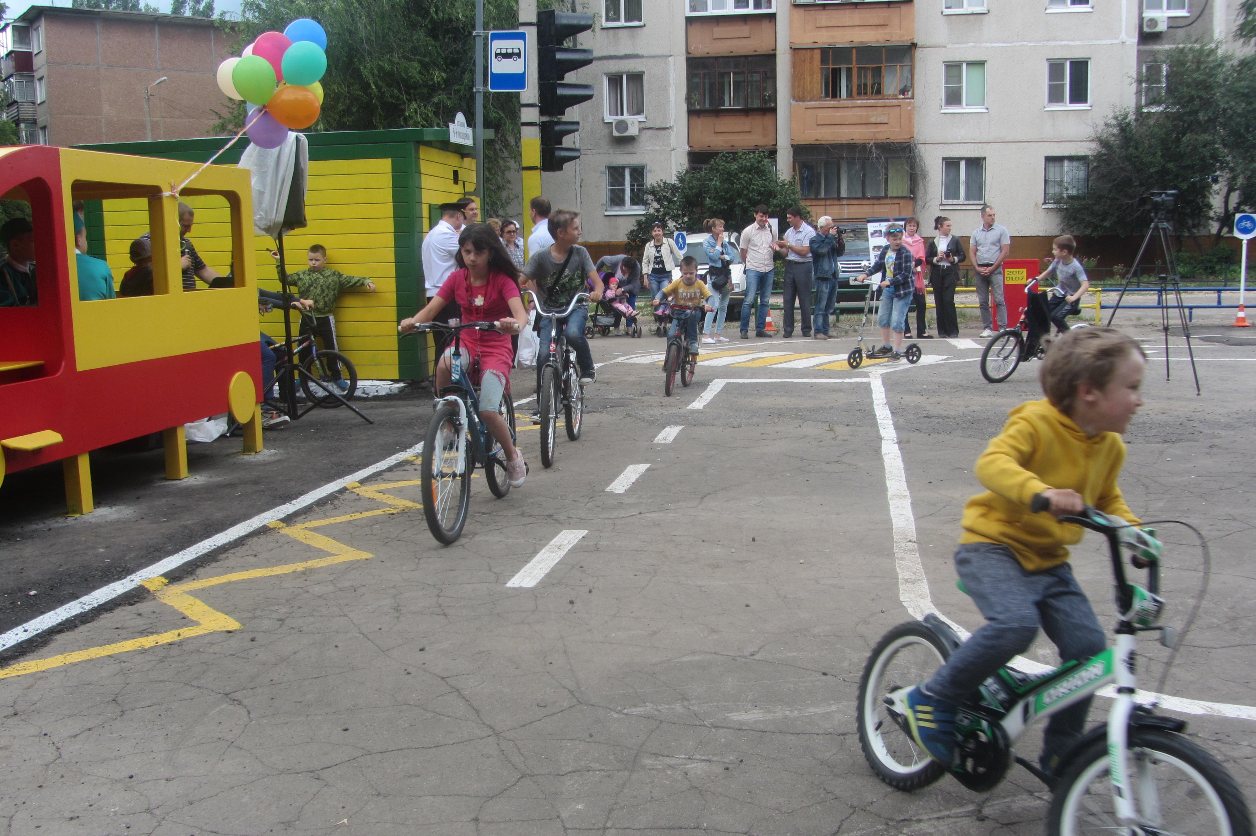 Детская площадка своими руками велосипед